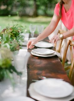 Rustic Beauty Dinner Party from Target + SMP Outdoor Seating Areas, Outdoor Dining, Table Setting Inspiration, Cheap Wedding Invitations, Al Fresco Dining, Party Entertainment, Home And Deco, Tablescapes, Event Planning