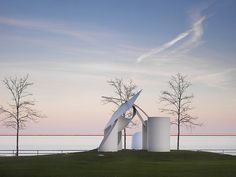 """""""Argo"""" by Alexander Liberman at the Milwaukee Art Museum  photo by Madison Guy, via Flickr"""