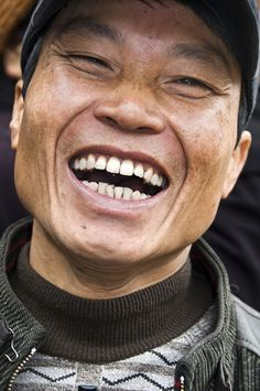 Vietnam « Nadler Photography Portfolio: Cultural & Travel Photographs Smiling People, Smiling Man, Happy People, Smiling Faces, Happy Smile, Smile Face, Make You Smile, Happy Faces, Men Smile