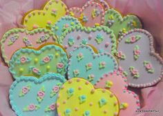 Iced Spice Valentines It took me twenty years to make these cookies. Back in the day when I was blissfully staying. Kawaii Cookies, Sweet Cookies, Heart Cookies, Sweet Treats, Valentines Day Cookies, Be My Valentine, Ice And Spice, Strawberry Roll Cake, Icing Frosting