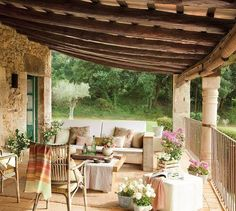 porche de casa rustica en el bosque 1280x910