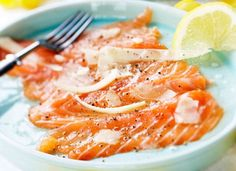 Salmon carpaccio and balsamic sauce/ lohicarpaccio ja vaaleaa balsamicokastiketta