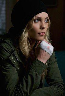 Laura Vandervoort - IMDb