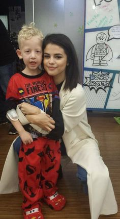 @LisaWoodcock: It was so special to meet her this morning. A huge Thank you to Selena for taking time out of her day to come see the kids