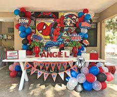 Spiderman party Spiderman Theme Party, Spiderman Birthday Cake, Superman Birthday Party, 6th Birthday Parties, 1st Birthdays, 4th Birthday, Manly Party Decorations, Birthday Party Decorations, Party Pops
