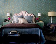 Hollywood living in NY #bedroom #headboard #wallpaper