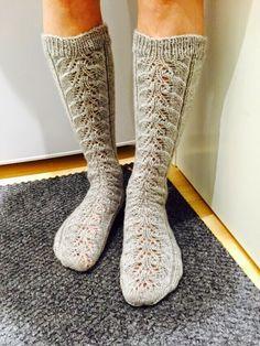 Knit Socks, Knitting Socks, One Color, Colour, Yarn Colors, Leg Warmers, Mittens, Knit Crochet, Knitting Patterns