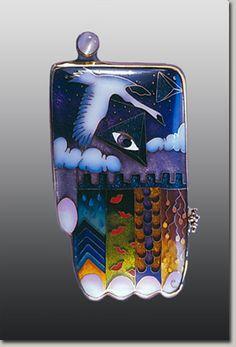 Handpiece Pendant 3 - Colette Denton