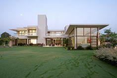 The Urbane House / Hiren Patel Architects