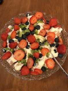 I Love Food, Kiwi, Fruit Salad, Food And Drink, Eat, Cooking, Desserts, Kitchen, Tailgate Desserts