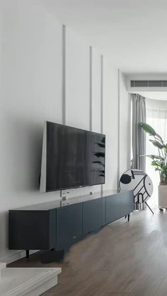 Custom Furniture, Luxury Furniture, Luxury Interior, Home Interior Design, How To Roll Towels, House Plants Decor, Straight Lines, Master Bedroom Design, Furniture Manufacturers