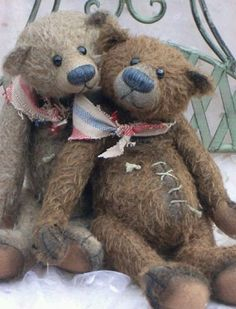two loveable old teddy-bears . Old Teddy Bears, Antique Teddy Bears, My Teddy Bear, Boyds Bears, Teddy Hermann, Love Bear, Bear Doll, Old Toys, Felt Animals