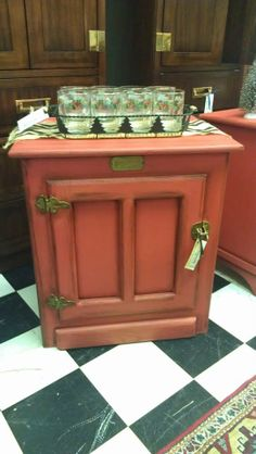 Rustic red icebox end table  $119 Furniture Refinishing, Furniture Redo, Repurposed Furniture, House Painting, Diy Painting, Reuse Recycle, Upcycle, End Table Makeover, Sofa End Tables