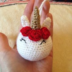 Fluffy cupcake and crochet: Crochet unicorn bauble