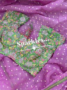 Half Saree Designs, Sari Blouse Designs, Blouse Patterns, Blouse Styles, Work Blouse, Embroidered Blouse, Necklace Designs, Saree Blouse, Scrub Tops