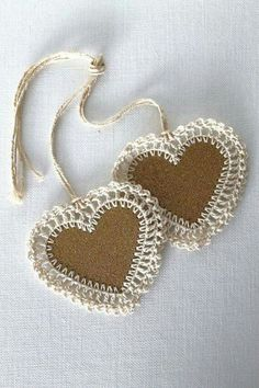 Bookmark IDEA ~ Cardboard heart with crochet edge, could make these into hanging decorations or gift tags.Heart Gift Tags Gold Glitter Handmade Crochet by creativecarmelina~ Burlap & Crocheted Hearts ~ These are a must d Crochet Gifts, Knit Crochet, Crochet Trim, Handmade Gift Tags, Handmade Home, Crochet Accessories, Crochet Flowers, Crochet Hearts, Crochet Projects