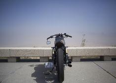 A última vez que vos falámos da DWH (Dream Wheels Heritage), do Hélder Moura, foi a propósito do restauro de uma Moto-Guzzi Nevada 750. Hoje, trazemo-vos algo bem diferente: uma […]