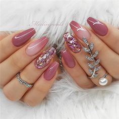 There are three kinds of fake nails which all come from the family of plastics. Acrylic nails are a liquid and powder mix. They are mixed in front of you and then they are brushed onto your nails and shaped. These nails are air dried. When creating dip. Cute Acrylic Nails, Glitter Nails, Cute Nails, Pretty Nails, Acrylic Spring Nails, Pink Sparkly Nails, Gold Nails, Pink Glitter, Nail Art For Spring