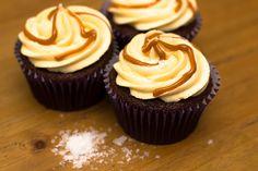 Salted Caramel Cupcake Recipe - sundaybaking.co.uk