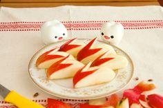 Apple Rabbits by mymilktoof, instructions by yumi via ohdesserts   http://pinterest.com/pin/2814818487229774/  #Apple_Rabbits #mymilktoof #yumi #ohdesserts