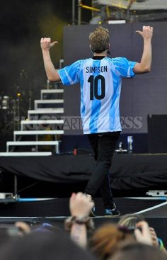 Cody Simpson wearing an Argentna jersey, hence this is EXTREMELY relevant. #ImSophisticated