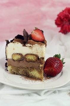 Tiramisu cake with chocolate Chocolate Tiramisu, Tiramisu Cake, Mousse, Homemade Cakes, Let Them Eat Cake, Food Styling, Sweet Recipes, Cheesecake, Sweets