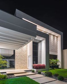 35 the battle over modern house design architecture and how to win it 25 Modern House Facades, Modern Architecture House, Modern House Design, Architecture Design, Dream House Exterior, Dream Home Design, Facade House, House Exteriors, Home Fashion