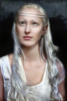 "Hairstyle made by www.Boostylez.de  Fotographer: Ladybathory  ""Eine weiße Elfe im dunklen Wald"""