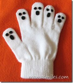 No Sew Ghost Hand Puppet (Isn't there a 5 Little Ghost pre-school poem that would work with this?)