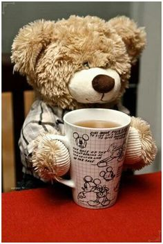 Teddy bear and coffee - perfect start to the day Tatty Teddy, My Teddy Bear, Cute Teddy Bears, Teddy Hermann, Teddy Bear Pictures, Bear Wallpaper, Love Bear, Bear Doll, Bear Art
