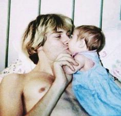 Kurt Cobain & his daughter Frances Bean Cobain Aberdeen, Glam Rock, Hard Rock, Divas, Music Rock, Kurt And Courtney, Grunge, Frances Bean Cobain, Donald Cobain