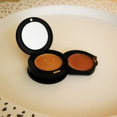 my new favorite highlighter from @beautyforreal // read the review on www.styledbrunette.com