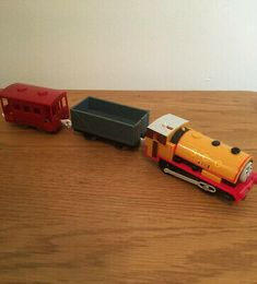 THOMAS THE TANK ENGINE:STRIPEY WINTER SET,2-6YR APPROX,NEW WITH TAGS