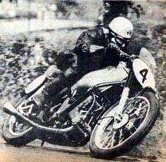 Robert Leslie Graham Champion du Monde 500 cc 1949 .