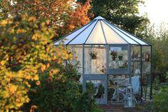 Ruusunmekko garden's greenhouse 'Lataamo' in September 2015