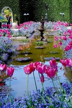 Italian Garden, Butchart Gardens, by Roy Okano