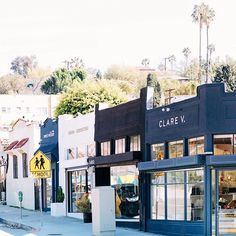 Oh hey, East Side!  I interviewed a frequent business traveler for #nationalcarrental and am sharing all of her travel tips today on the blog, as well as our favorite things to do in 24 hours on the east side here in LA! ( @marycostaphoto) #ad