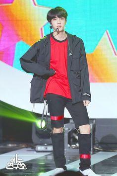 [180526] MBC Music Core ~ Anpanman Performance Photos