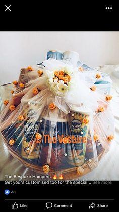 Wedding Hamper, Wedding Gift Baskets, Diy Gift Baskets, Gift Hampers, Alcohol Gift Baskets, Alcohol Gifts, Engagement Decorations, Wedding Ceremony Decorations, Bridal Gift Wrapping Ideas