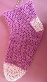 ARTES-ANAS: CALCETINES CROCHET CON CORAZÓN Socks, Accessories, Color, Crochet Ideas, Fashion, Crochet Flowers, Shoes, Recipe, Log Projects
