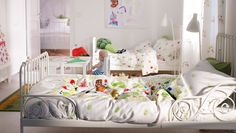 IKEA Kids Rooms Catalog Shows Vibrant and Ergonomic Design Ideas Armoire Rose, Girls Bedroom, Bedroom Decor, Bedroom Ideas, Bedroom Designs, Master Bedroom, Cottage Style Bedrooms, Rooms Ideas, Ikea Kids Room
