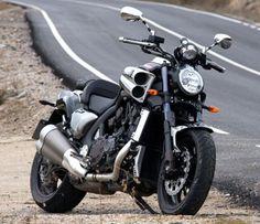 yamaha v max 1700 Yamaha V Max, Yamaha Star Motorcycles, Cars And Motorcycles, Moto Bike, Cruiser Motorcycle, Yamaha Cruiser, Cruiser Bikes, Street Bikes, Amazing Cars