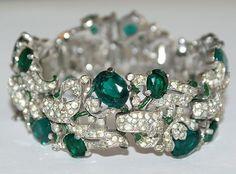 WOW Trifari Emerald Green Rhinestone Encrusted Alfred Philippe Enamel Bracelet Pin 1940