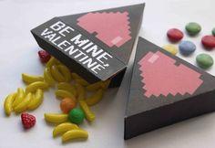 Caja triangular con corazones 8-btis - Manualidades para 14 de Febrero