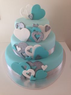 Heart engagement cake. Turquoise ombré silver hearts