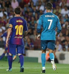 Best Football Players, Good Soccer Players, Football Is Life, Messi Vs Ronaldo, Messi And Neymar, Real Madrid Kit, Real Madrid Cristiano Ronaldo, Soccer Stars, Sports Gallery