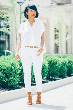 All White Outfit Ideas outfit ideas spring 1 fashion spring outfits white All White Outfit Ideas. Here is All White Outfit Ideas for you. All White Outfit Ideas all white fashion ideas to wear this winter All White Out. Chic Outfits, Spring Outfits, Spring Summer Fashion, Summer Wear, Casual Chic, Casual Attire, All White Outfit, White Outfits For Women, Blue Trousers