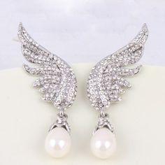 $7.86 Pair of Chic Women's Rhinestone Pearl Wings Earrings