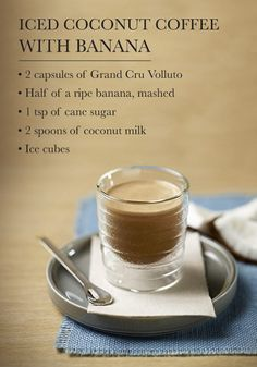 If youre looking fo If youre looking for an iced espresso recipe that is perfect for summer then youve come to the right place. This Iced Coconut Coffee with Banana mixes tropical notes and full flavoured coffee to create something delicious. Coffee Type, Coffee Is Life, Banana Recipes, Coffee Recipes, Nespresso Recipes, Latte, Banana Mix, Espresso Coffee Machine, Coffee Creamer