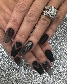 For the lady #boss 💁🏻#riyasnailsalon #NAILPRO #clevelandbridal #thisiscle #blackmatte